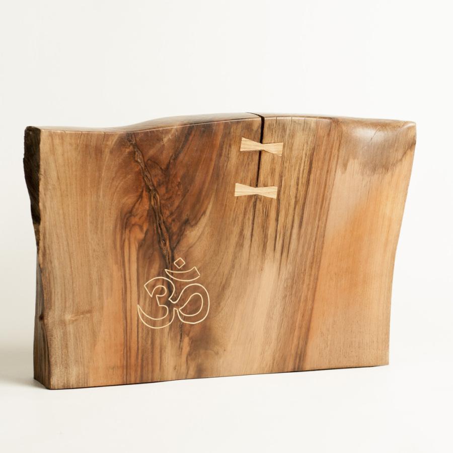 Objet d'art en bois